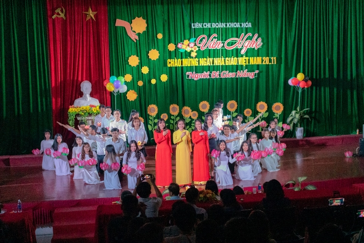 http://dut.udn.vn/Files/admin/images/Tin_tuc/KhoaHoa/2019/Hoatdong2011/image024.jpg